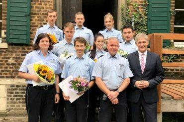 Acht neue Polizistinnen und Polizisten für die Schwerter Wache