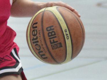 STS-Damen verlieren – Holzpfosten-Basketballer landen ersten Sieg