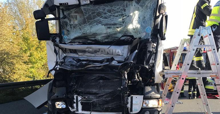 Unfall auf der A1 endet glimpflich
