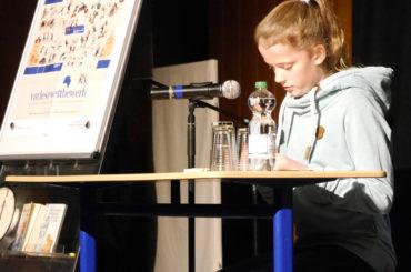 Annika Haneklaus gewinnt den Vorlesewettbewerb im RTG