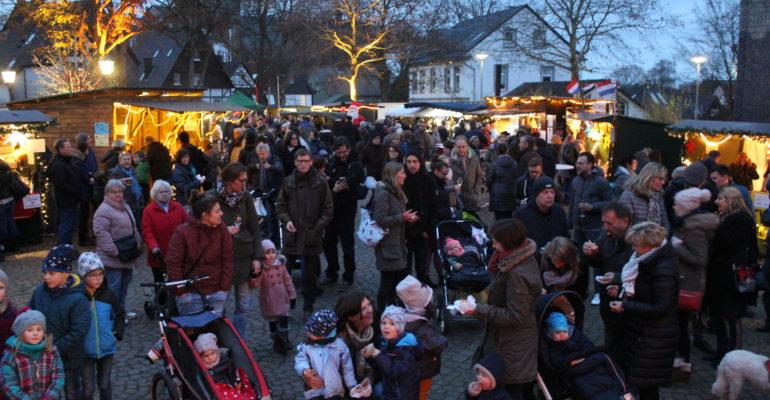 """Weihnachtsmarkt """"Bürger für Bürger"""" – Klein aber fein"""