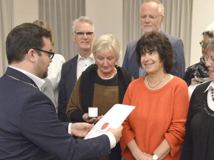 Stadt würdigt bürgerschaftliches Engagement mit der Verleihung der Stadtmedaille