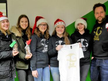 Shirts und Schokoladenweihnachtsmänner